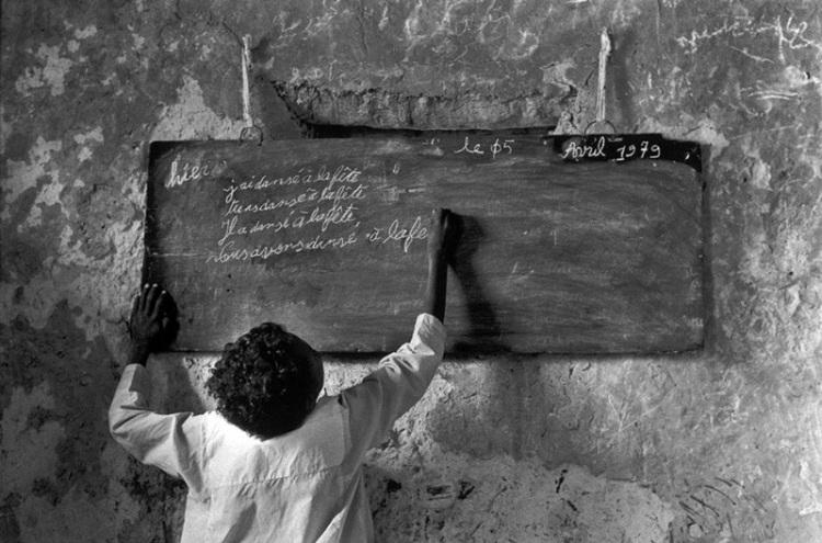 Chad. Ennedi. Escuela Ounianga-Kébir. 1979.